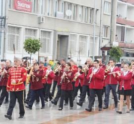 Парад на мажоретни състави и духови оркестри