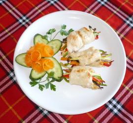 Зеленчукови снопчета с пилешко месо