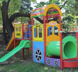 Не се разбраха за детската площадка в Бъта