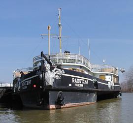 Единственият плаващ музей у нас и на Балканите тръгва отново по река Дунав