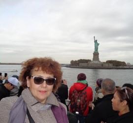 """Директорът на СОУ""""Нешо Бончев"""" Веска Барова след обучението в Ню Йорк"""