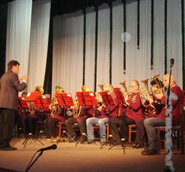 """Духов оркестър """"Делчо Радивчев"""" изпълни най-доброто от репертоара си в коледен концерт"""
