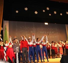 """""""Коледа е любов"""" с панагюрски деца и гост-изпълнители"""