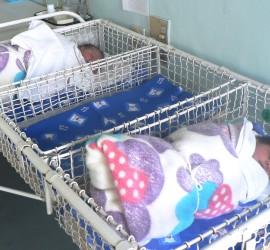С близо 68 000 лева Община Панагюрище е подпомогнала родителите на 129 новородени през 2015 г.
