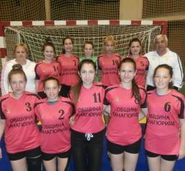 """Девойките на ХК """"Панагюрище"""" са пети на държавния финал. 12-годишните – втори в регионалното първенство"""