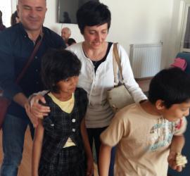 """Семейство от Италия осинови две деца от ЦНСТ """"Закрила"""" в Панагюрище"""