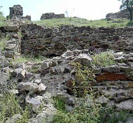 """Фотодокументална изложба """"40 години археологически проучвания на крепостта Красен"""" ще бъде открита днес в Исторически музей-Панагюрище"""