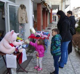 Над 550 лева бяха събрани в първия благотворителен базар в помощ на 5-годишната Гери