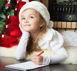 """Дядо Коледа и """"Български пощи"""" очакват детските писма до белобрадия старец"""
