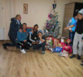 """Индивидуални подаръци получиха децата от ЦНСТДМ """"Павел Бобеков"""" в Панагюрище"""