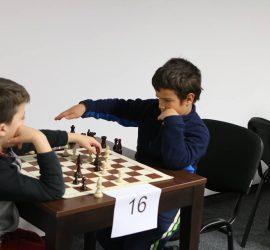 """Открит турнир по шахмат """"Детска радост"""" днес в Панагюрище"""