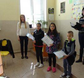 """Наградиха победителите в ученическия конкурс за приказка и презентация  на тема  """"Аз съм здрав, защото…"""""""
