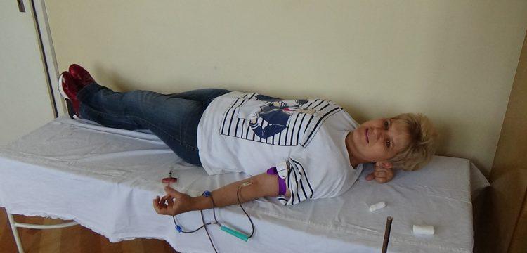 27 доброволци дариха кръв