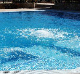 Проверяват плувните басейни в страната