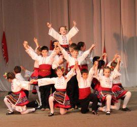 """Автентичен фолклор от родното Попинци ще покажат малките танцьори от ПФТС """"Тангра"""" в международен фестивал"""