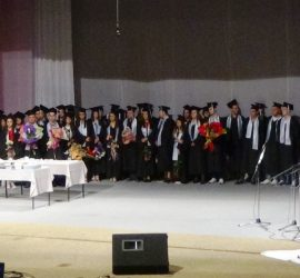 """56 зрелостници от СУ """"Нешо Бончев"""" получиха дипломите си"""