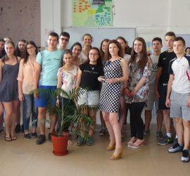 """Топ журналистката Миролюба Бенатова се срещна с ученици от СУ""""Нешо Бончев"""""""