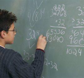 Разширява се кръгът от ученици с право да получават стипендии