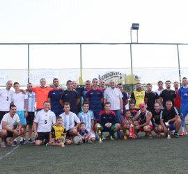 """Отборът на """"Асарел-Медет"""" отново спечели турнира по мини футбол. Призьорите дариха наградния фонд на нуждаещо се от операция момче"""