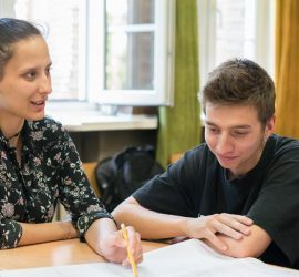 """Училищата от Пазарджишко могат да подават заявки за учители от """"Заедно в час"""" до 8 юни"""