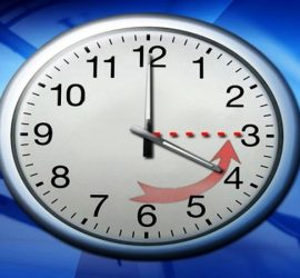 В нощта срещу неделя местим стрелките на часовника с час назад