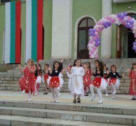 Нови правила за осъществяване на допълнителни образователни дейности в общинските детски градини