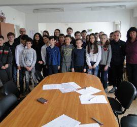 """С превантивна цел ученици от ОУ""""Проф. Марин Дринов""""  пресъздадоха възпитателно дело"""