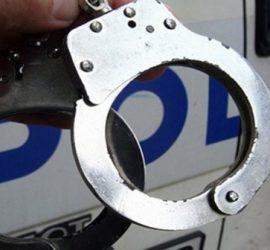 Задържаха 21-годишен мъж посредник в извършването на телефонни измами