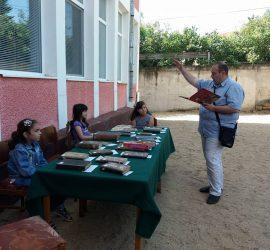 """С изложба на старопечатни книги стартира """"Зелената читалня"""", организирана от Общинска библиотека""""Стоян Дринов"""""""