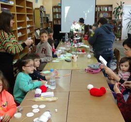 """Работилница за мартенички ще отвори врати в Общинска библиотека """"Стоян Дринов"""""""