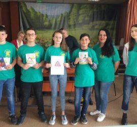 """Дриновци победители в областния етап на ученическата викторина """"Да запазим децата на пътя"""", ще мерят сили на национално ниво"""