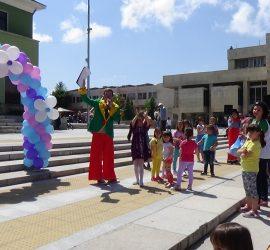 Весел детски празник за Деня на детето организира Община Панагюрище
