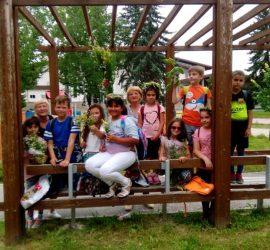 На Еньовден учители от ЦПЛР-Панагюрище запознаха децата с лечебните свойства на билките