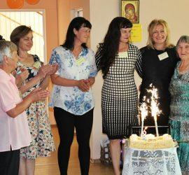 """Дневният център за пълнолетни лица с увреждания """"Св. Св. Козма и Дамян"""" посрещна своя осми рожден ден"""
