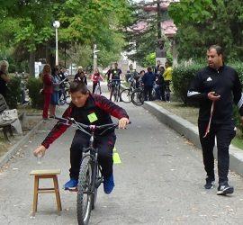Състезание по приложно колоездене в градския парк