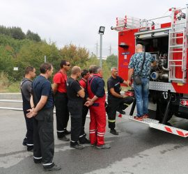 Асарелските огнеборци преминаха обучение за работа с новия пожарен автомобил