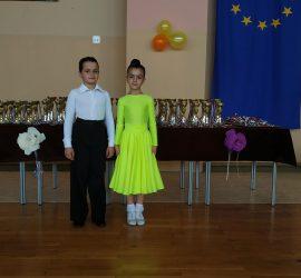 Малките танцьори Николай и Елеонора от Панагюрище с медали от престижен турнир