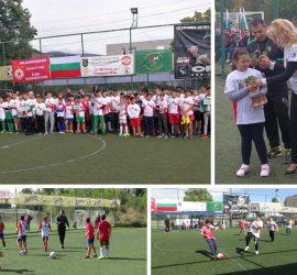 """16 отбора се включиха в първия ден на турнира по футбол за деца и юноши """"За малките и голямата игра"""".Финалите са в неделя"""