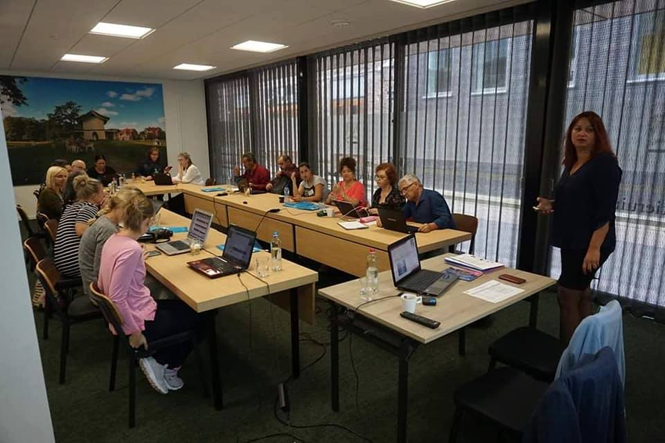 """Учители от ОУ """"20 април"""" на квалификационно обучение в Холандия по програма """"Еразъм +"""""""