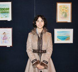 Първа самостоятелна изложба представи панагюрското дарование Диана Иванова