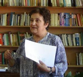 """Стихосбирката """"Шарени криле"""" на Стефка Данева ще бъде представена днес в панагюрската библиотека"""