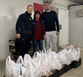 """50 човека от община Панагюрище бяха подпомогнати с хранителни продукти с инициативата """"Купи и Дари"""""""