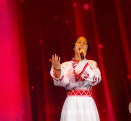 На престижен конкурс в Рига  панагюрско момиче впечатли с певческия си талант