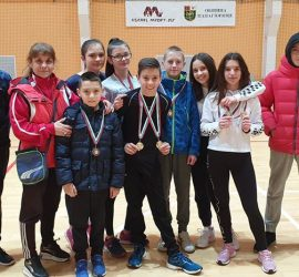 """Ученици се състезаваха с """"Лъвски скок"""" в Панагюрище"""