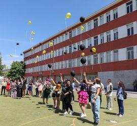 """Зрелостниците от Випуск ′2020 на СУ """"Нешо Бончев"""" ще получат своите дипломи на 23 юни, а абитуриентите от ПГИТМТ на 25 юни"""
