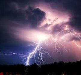 В България пикът на гръмотевични бури е точно сега. Всеки от нас да знае правилата за поведение и действие