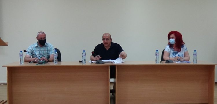 Пресконференция по повод потвърдените два нови случая на COVID-19 в Панагюрище се проведе днес в общината /видео/