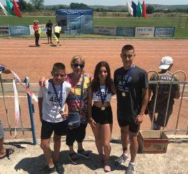 """Два сребърни и един бронзов медали за състезателите на КЛА""""Оборище""""- Панагюрище  от републиканския крос в Койнаре"""