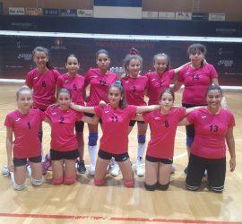 """12-годишните момичета на ВК""""Пан Волей"""" се класираха за финал на Държавното първенство"""