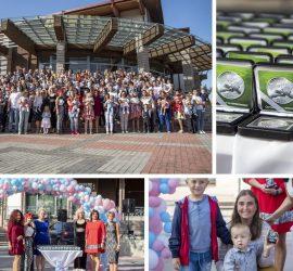 """Паметен знак """"За спомен от родените 50 години преди теб"""" получиха 130 деца от община Панагюрище, родени през 2019г."""